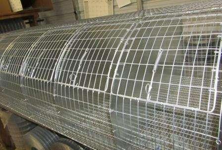 Металеві клітки для кроликів