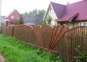 оригінальний дерев'яний забор
