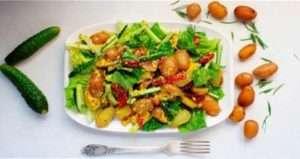 Картопляний салат з часниковим соусом