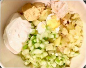 """Фото-рецепт приготування смачного новорічного салату """"Свинка"""""""