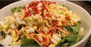 Інгредієнти для простого приготування смачного новорічного салату з сухариками