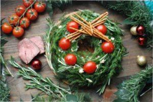 Новорічний салат Червона Шапочка з фото