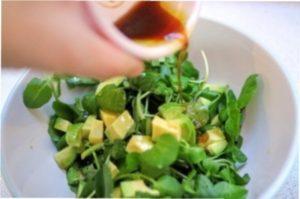 Рецепт самого смачного салату з червоною рибою.