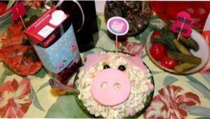 Інгредієнти для приготування простого і дуже смачного салату олів'є до Нового року Свині