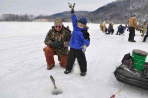 Риболовля взимку. Фото про те як ловити рибу взимку