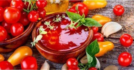 Як зробити домашній кетчуп з помідорів