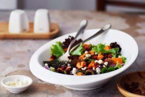 З бататом і журавлиною салат