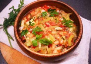 Салат з кабачків і квасолі